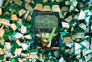 The Strange Case of Origami Yoda-Tom Angleberger | sharpread | 214x320